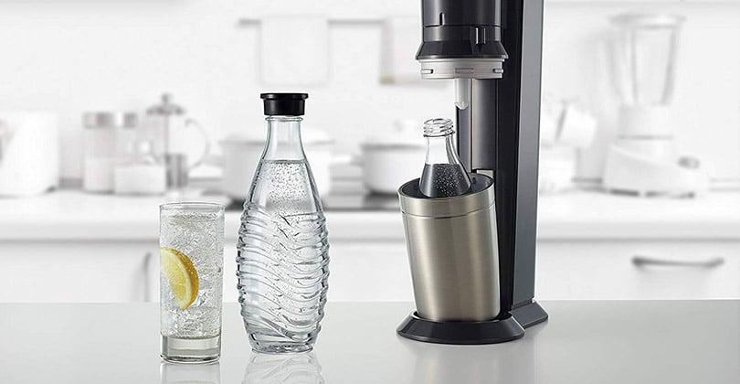 De l'eau pétillante sans plastique avec le Sodastream Crystal