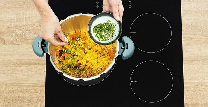 Cuisiner rapidement avec l'autocuiseur SEB Clipso Minut' Easy