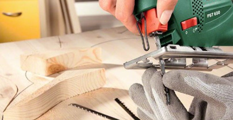 Débuter dans le bricolage avec la scie sauteuse Bosch PST650